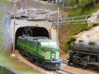 Locos-passing-at-State-Line-Tunnel